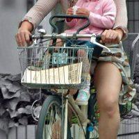 子育てママパンチラ
